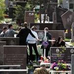 Кладбище – это не столовая!