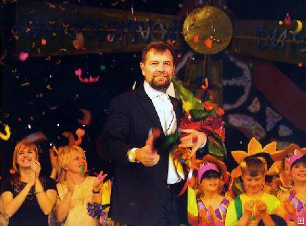 С 5 по 11 мая в Днепропетровске пройдет 14-й Международный фольклорный детский фестиваль «Орленок собирает друзей»