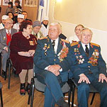 Местные власти поздравили ветеранов с праздником
