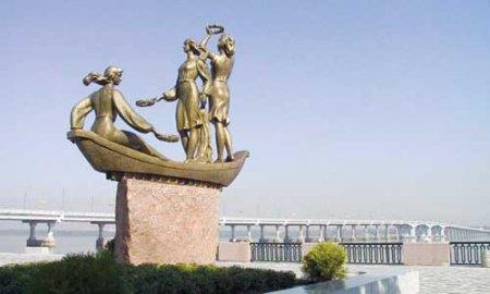 «Женские» памятники Днепропетровска