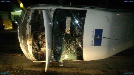 Внедорожник врезался в маршрутку с пассажирами. Есть пострадавшие