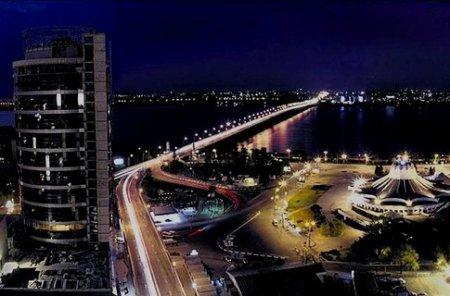 100 улиц Днепра обзавелись ночной иллюминацией