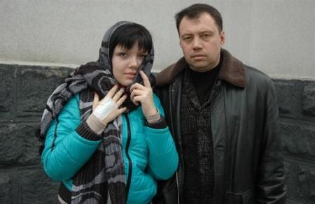 Отец заложницы из Донецка: Захватчик не ребенка спасал, а хотел скрыться от долгов в тюрьме