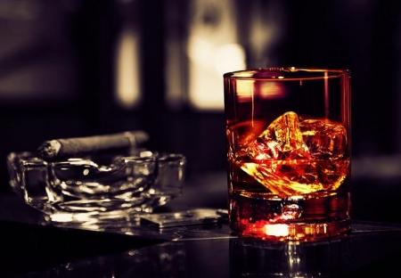 В Украине снова подорожают алкоголь и сигареты