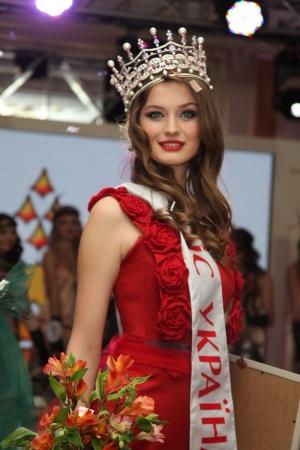 Пэрис Хилтон и Ирина Шейк за закрытыми дверями выбрали очередную Мисс Украина