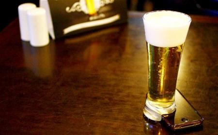 В Бразилии изобрели оффлайн-стакан