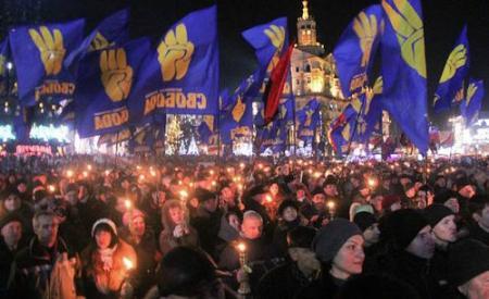 В Партии регионов факельные марши, устроенные Свободой, считают попытками прикрыть свои деяния