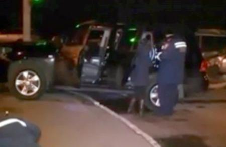 в Днепропетровске угонщик элитных авто с арсеналом оружия попал в ДТП