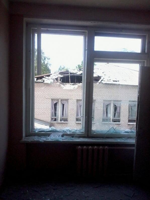 Террористы обстреляли Славянск: школу и жилые дома (Видео)
