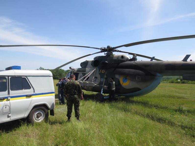 Под Славянском террористы сбили вертолет
