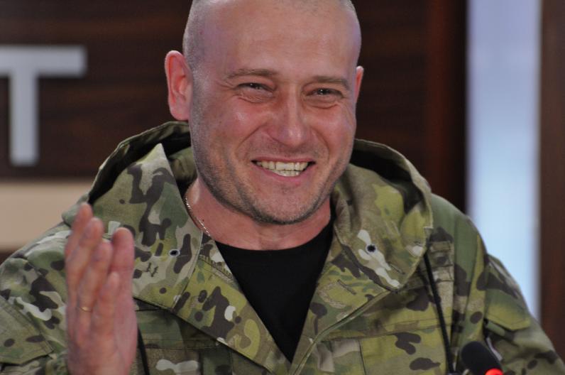 Нардеп Дмитрий Ярош ранен на поле боя