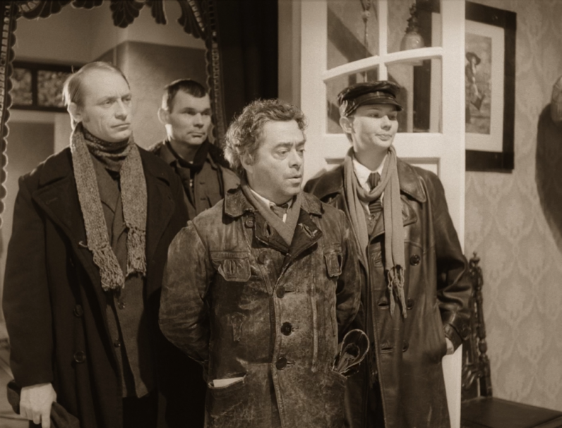 Театральные деятели Днепропетровщины отреагировали на люстрацию в театре оперы и балета