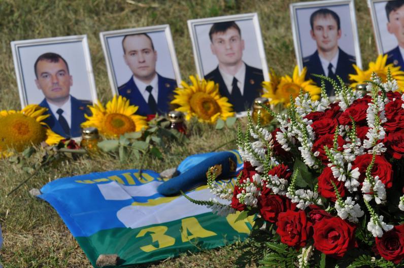 Порошенко посчитал погибших в ходе АТО десантников