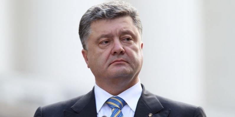 Порошенко одобрил передачу ходатайств о коррупции судей к судьям другой области