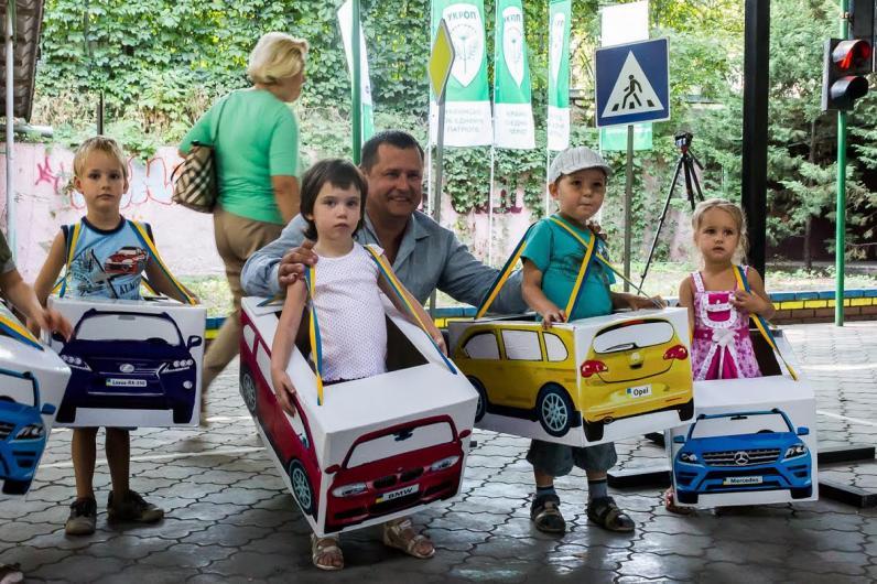 Борис Филатов открыл в парке Шевченко детскую школу правил дорожного движения