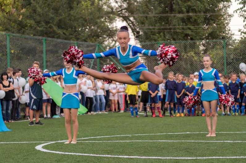 Борис Филатов открыл в Днепропетровске еще один спортивный мини-стадион
