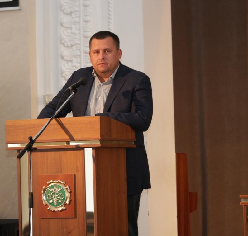 Борис Филатов встретился с будущими днепропетровскими таможенниками: проблем много, но их необходимо решить