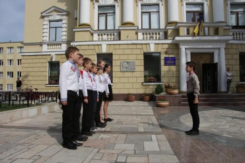 Благодаря Борису Филатову днепропетровские школьники научатся преодолевать полосу препятствий и оказывать первую медицинскую помощь