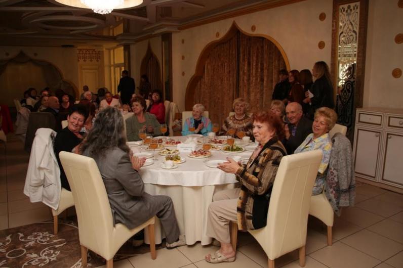 Борис Филатов поздравил пенсионеров Днепропетровска с праздником, организовав интересные мероприятия