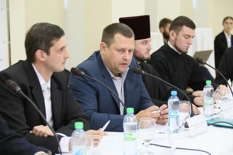 Борис Филатов: «Мы должны усадить за общий стол представителей всех конфессий и национальных общин»