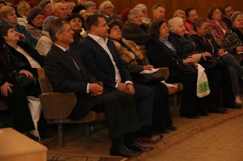 Наша задача - окружить заботой, пониманием и сыновним теплом каждого пенсионера Днепропетровска – Борис Филатов
