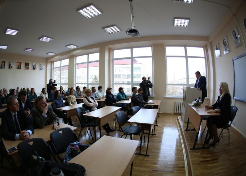 В Днепропетровске открыли кабинет имени Альберта Филатова