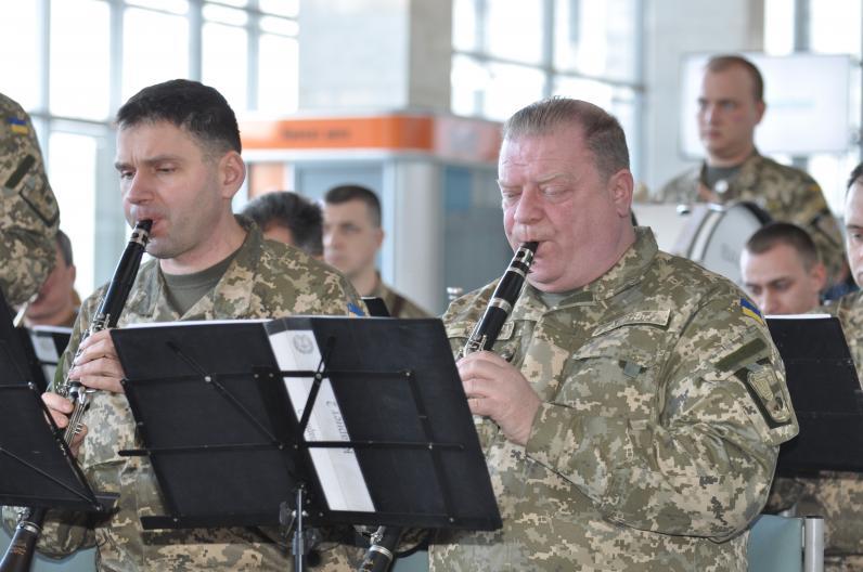 Музыка в честь Героев
