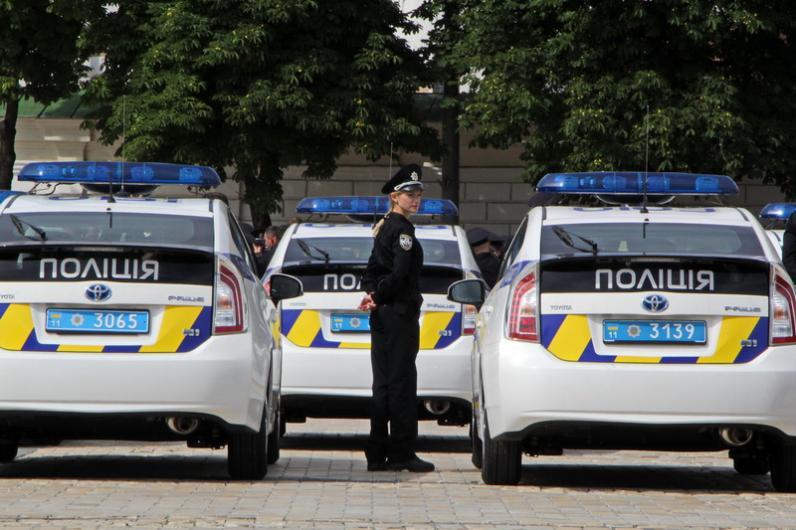 На Днепропетровщине из полиции ежемесячно увольняется по 100 человек