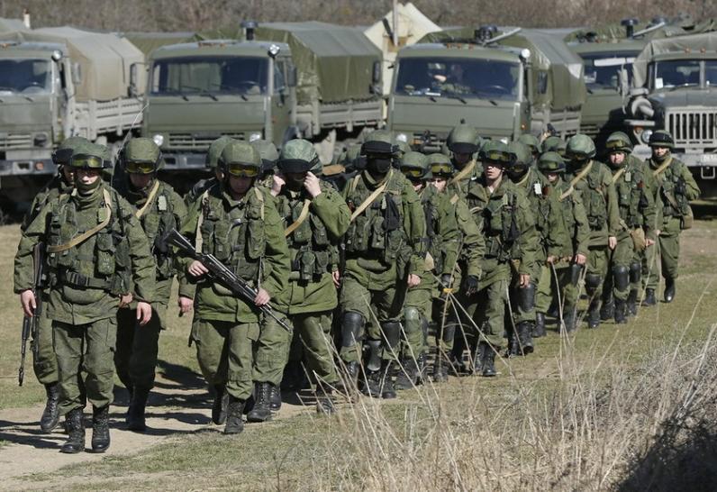 Россия готовит наступление, чтобы получить сухопутный коридор в Крым, - СНБО