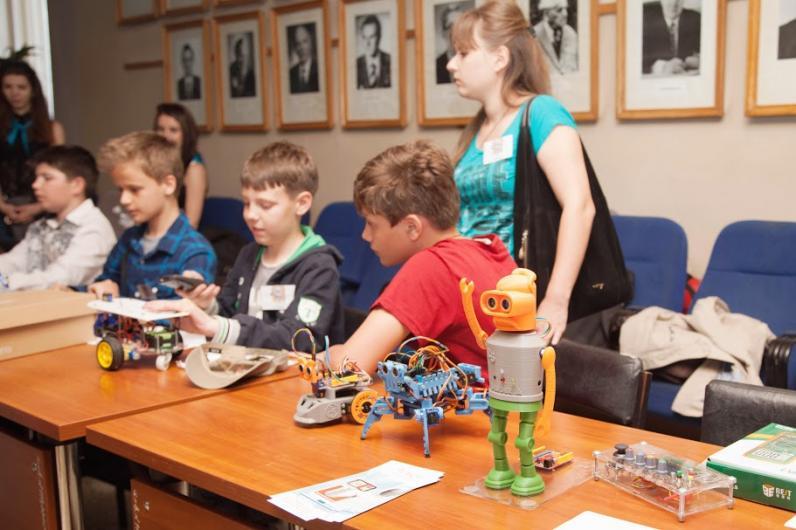 В Днепре соревновались робототехники со всей Украины