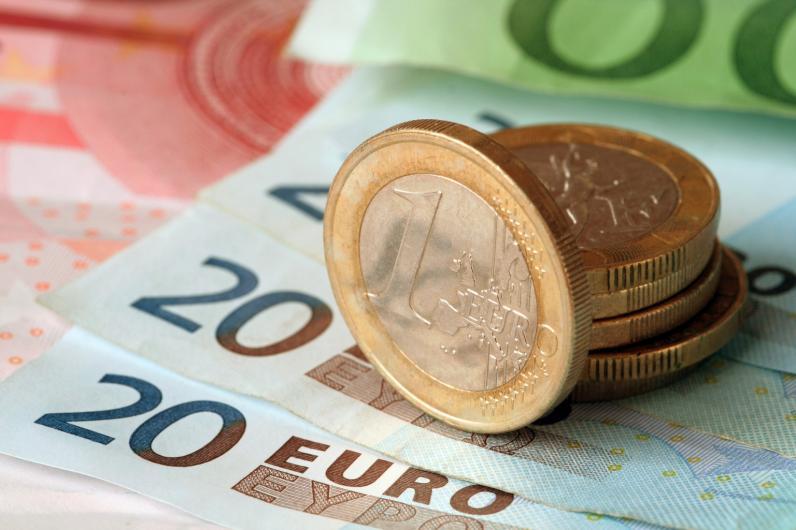 Курс евро на межбанке повысился до 30,15 гривен