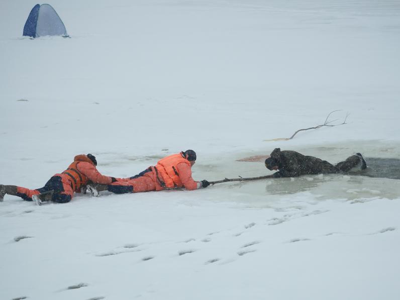 На Днепропетровщине на льду погибли более 60 человек