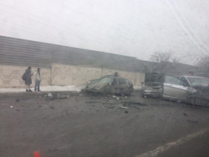 Масштабное ДТП в Днепре: на Слобожанском проспекте и Новом мосту большая пробка