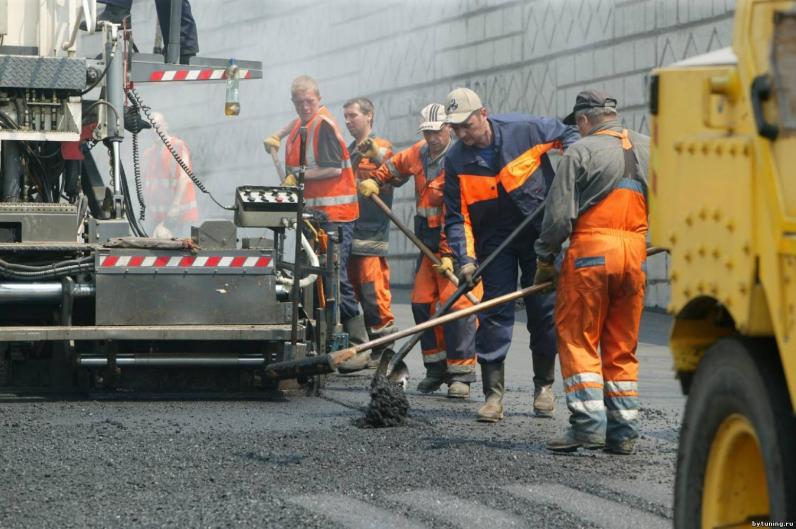 На Днепропетровщине начали капитально ремонтировать дороги