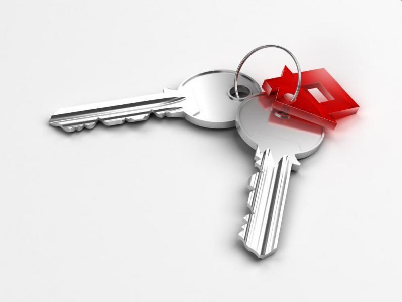 Семье погибшей патрульной Ольги Макаренко вручили ключи от двух квартир