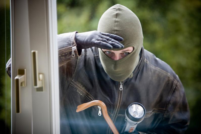 В Днепре соседи задержали и передали полиции квартирного вора