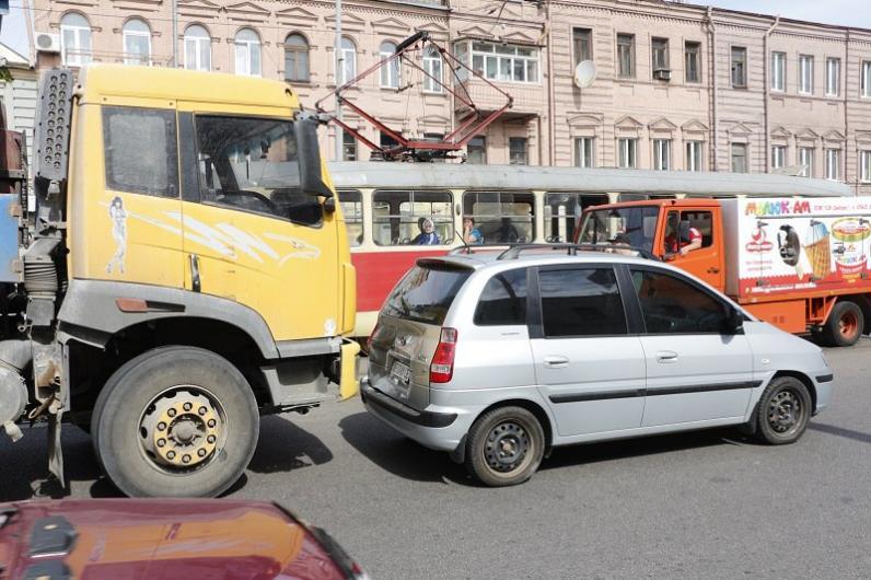 В Днепре ДТП: приостановлено движение трамваев на ул. Шмидта