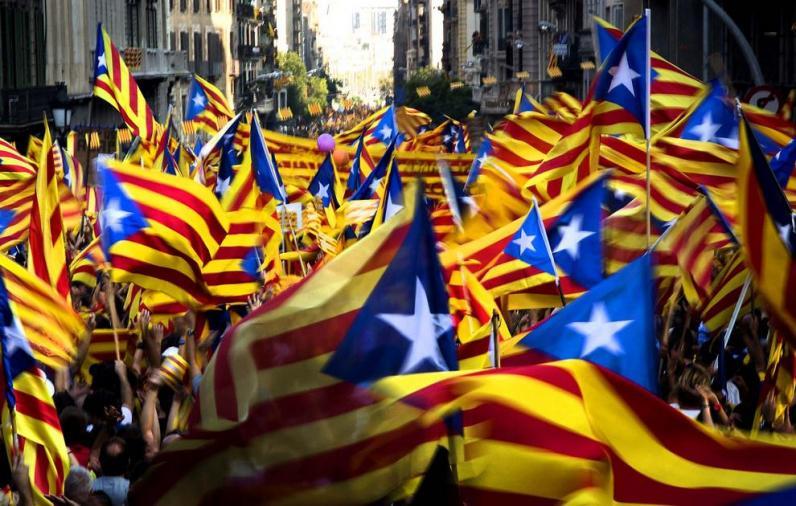 Каталония провозгласила независимость
