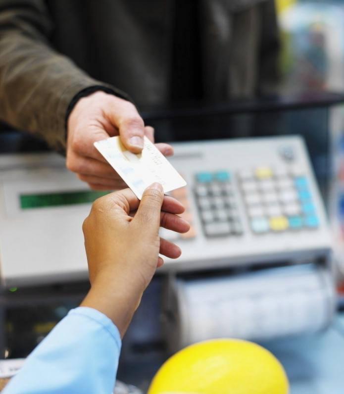 На Днепропетровщине продали фальшивые топливные карты на 1,5 млн грн