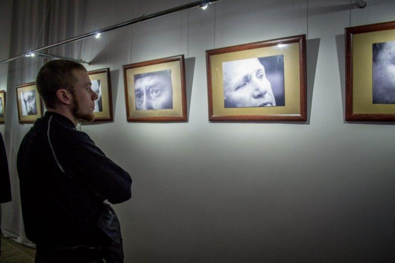 Днепрян приглашают на фотовыставку «Очі війни»