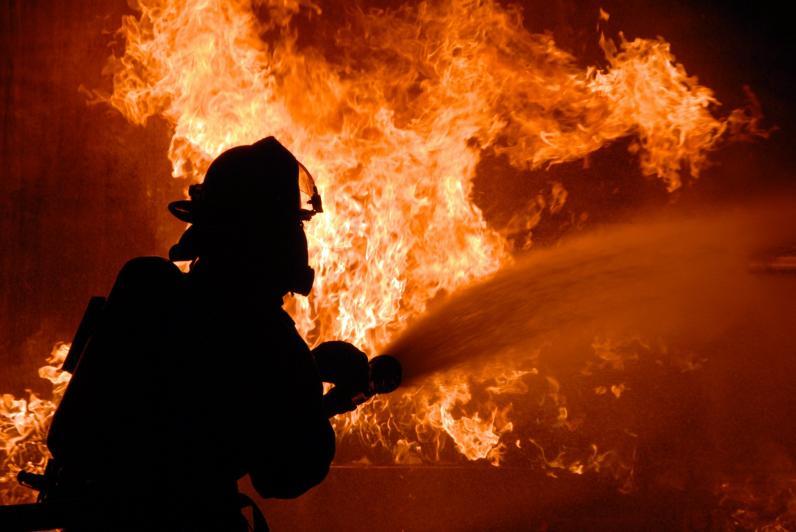 На Днепропетровщине горел склад лесоматериалов