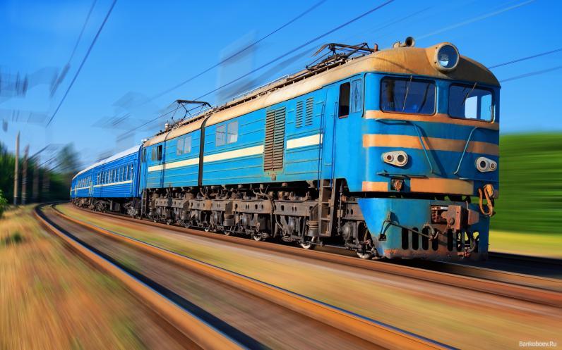 Подросток, который пытался запрыгнуть на поезд во время движения, потерял ногу