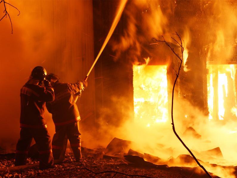 В Каменском в огне погибло два человека