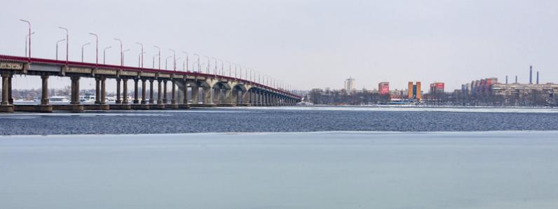 Новый мост в Днепре перекроют на ремонт