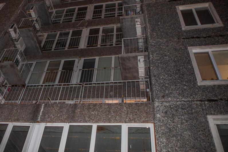В Днепре парень выбросился с балкона