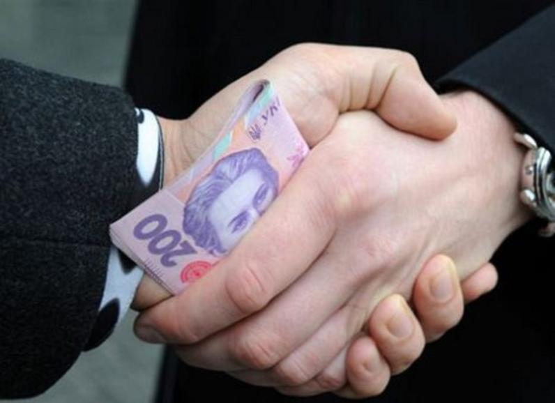 На Днепропетровщине трое полицейских требовали взятку
