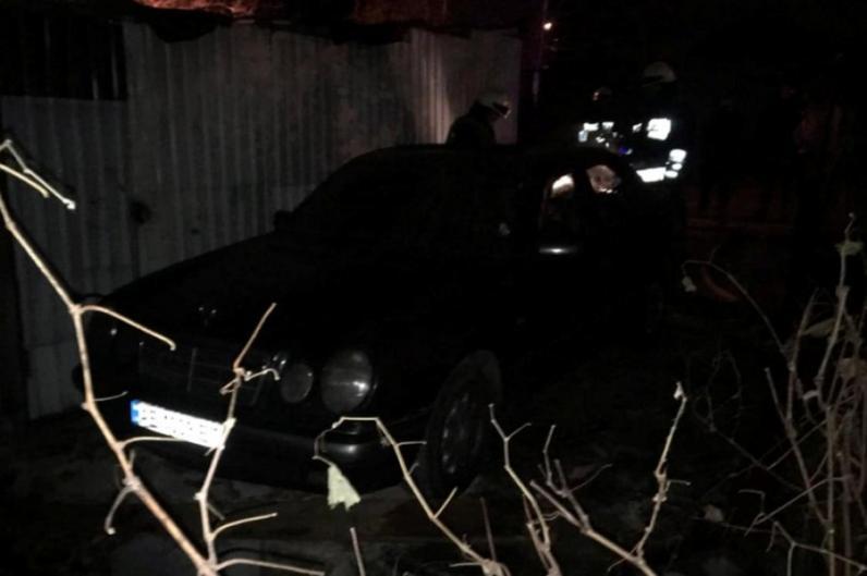 Ночью в Днепре сгорело два автомобиля