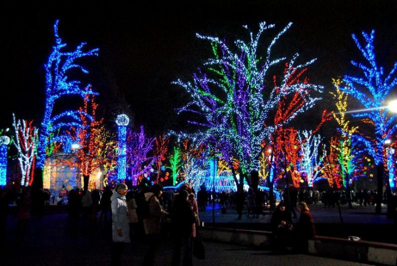 Программа мероприятий на Новый год и Рождество в Днепре