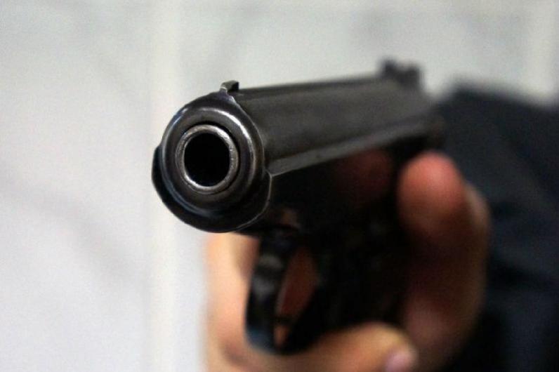 В Днепре вооруженный мужчина выкрал ребенка(Видео)